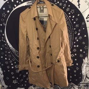 Burberry Britt size 6 US trench coat